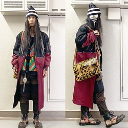 @KiD - Vivienne Westwood Knit Cap, Sasu Kauppi Ma 1 Coat, Henrik Vibskov Colorful Cardigan, Christopher Nemeth Damaged Pants, Vivienne Westwood Cigarette Case, Vivienne Westwood Squiggle Bag, Dr. Martens Power , Corruption & Lies - JapaneseTrash635