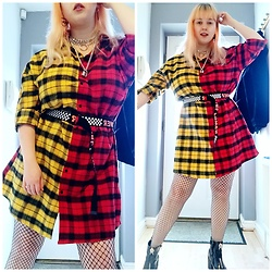 April Willis - Shein Contrast Plaid Dress, Shein Girl Power Belt, Shein Flame Heart Earrings, Black Diamond Fishnets, Zip Front Boots, O Ring Padlock Choker - Glad to be plaid