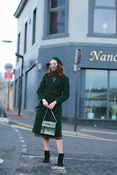 Virgit Canaz - Very Coat, Anne Dorcay Bag - Classic coat