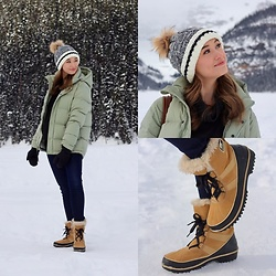 Taylor Doucette - Tna Super Puff, Lululemon Retreat Yourself Pullover, Citizens Of Humanity Rocket Skinny Jeans, Sorel Tivoli Boots, Aritzia Super Puff Mittens - All Your Exes - Julia Michaels