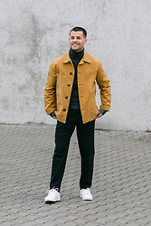 Kevin Elezaj - Nike Sneakers, Cos Pants, Cos Turtleneck, Paloma Wool Jacket - 826
