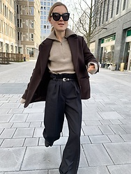 Anna Borisovna - Other Stories Jacket, Cashmere Sweater, Sézane Pants, Céline Sunglasses - The brown jacket