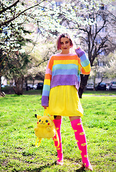 Evilish Queeny - Second Hand Rainbow Sweater, Second Hand Pikachu Backpack - Retarded Smile