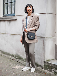 Vivian Tse - H&M Oversized Blazer, Primark Top, Celine Bag, H&M Ribbed Trousers, Adidas Sneakers - Spring Neutrals