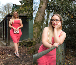 Emma Reay - Mrep Pink Ruched Dress Gifted - The £5 going out dress