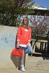 Elisabeth Green - Lilicloth Hoodie, Zara Jeans, Converse Sneakers - Let it be