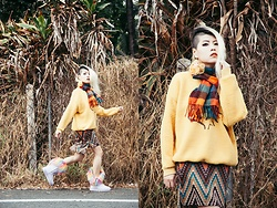 Sheena Son - Lativ Sweatshirt, Shein Boots - Dead Leaves
