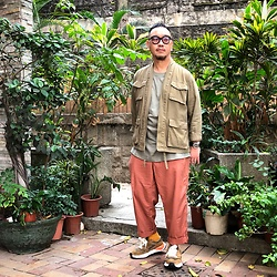 Mannix Lo - Multi Pockets Kimono, Oversize Tee, Gu Loose Fit Cropped Pants, Miharayasuhiro X Nigel Cabourn Sneakers - Your eyes shine when you're happy inside