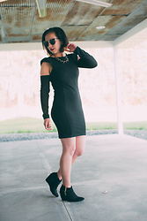 Lindsey Puls - Femme Luxe Dress - All black