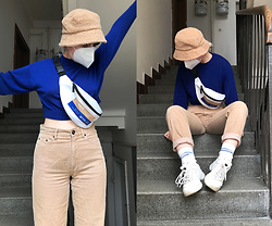 Hypersensitive M. - Thrifted Cropped Sweatshirt, Thrifted Teddy Bucket Hat, City Folklore Hip Bag, Thrifted Beige Corduroy Pants, Thrifted Fila Sneakers, Unknown My Boyfriend's Socks - Bombay sapphire negroni