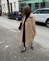 Kasia Szymków -  - Trench coat weather