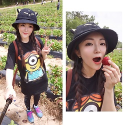 Ming Francis - Chocoolate X Minions Long Shirt, Calvin Klein Leggings, New Balance Sneakers, The British Museum Anderson Cat Hat, Longchamp Backpack, Tory Burch Earrings - Strawberry Picking Outfits