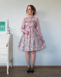 Mari Susanna - Metamorphose Temps De Fille Hair Clip, Fi.N.T. Blouse, Leur Getter Dress, Minna Parikka Shoes - Bunnies & bows