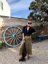Anna Borisovna - Arket Shirt, Massimo Belt, Massimo Dutti Skirt, Zara Shoes, Mango Bag - Black and Brown