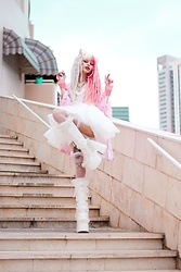 Alina Kireyeva - Demonia Fluffy Boots, Dolls Kill Coulds Robe - G- kriiizellda - kawaii cat