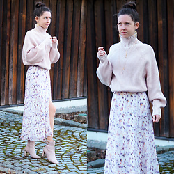Claire H -  - Knitted spring look