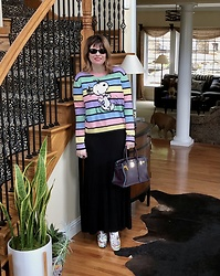 Shannon D - Vetements Boots, The Row Skirt, Chianti & Parker Cashmere Sweater, Hermès Bag, Oliver Peoples Sunglasses - Chianti & Parker Cashmere Sweater